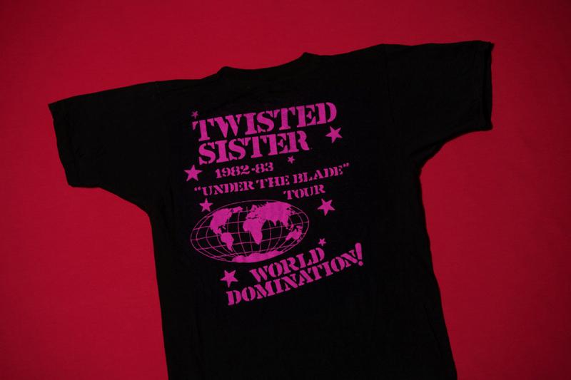 1982 b t-shirt
